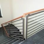 Treppenhausgeländer_Beschichtet_Holz